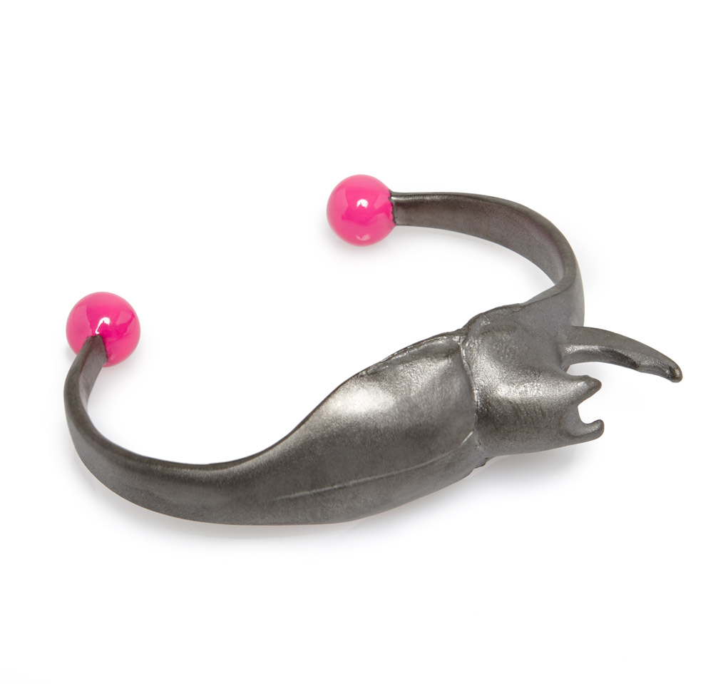 EXOSKELETON‏ STAG BEETLE BANGLE PINK